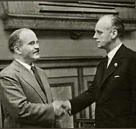 Молотов и Рибентроп, август 1939-а
